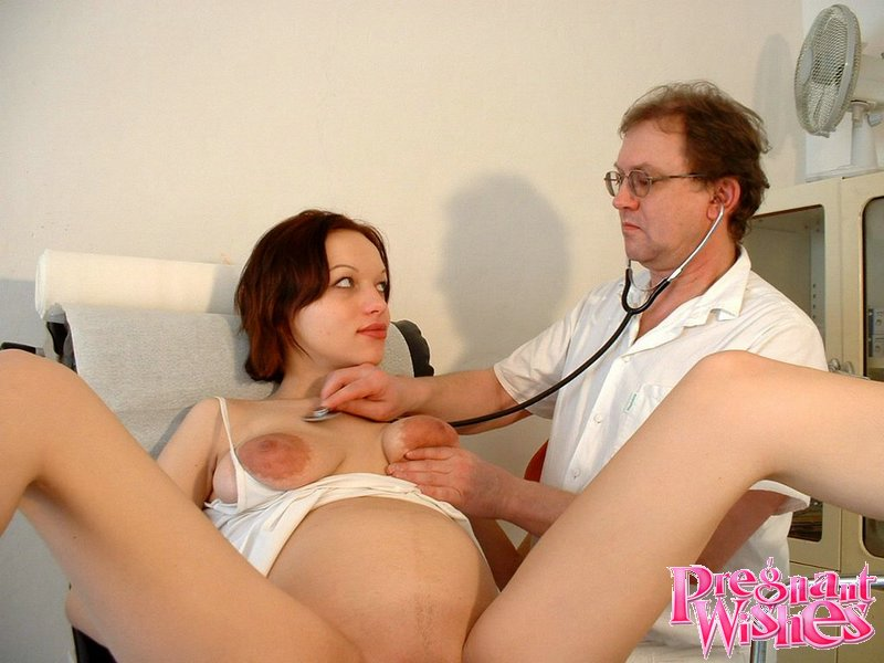 Порно беременных у врачей онлайн